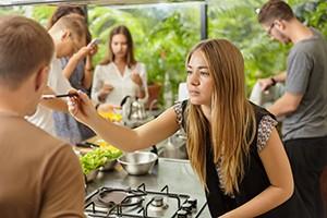 Friends for kitchen